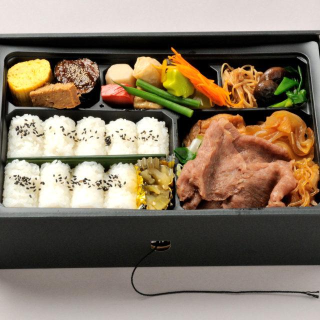 近江牛すき焼き弁当(ホットボックス、紐を引っ張ると温かくなる弁当)