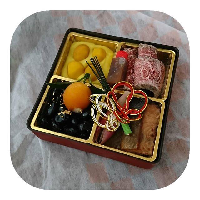 お正月の楽しみといえば👏・・おせち料理🦐・・・私、おせち料理が大好きなの…