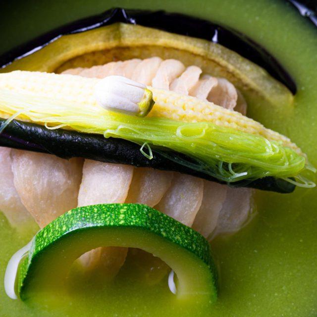 皐月、煮物椀鯉葛叩き、豌豆摺流し新緑仕立て