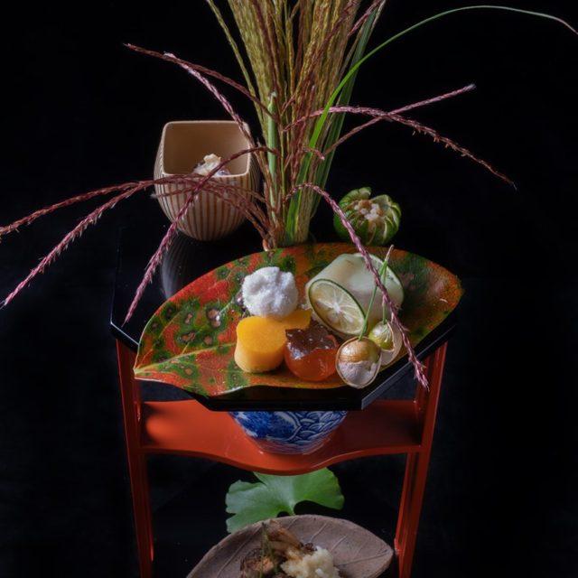 本日の八寸 小芋手毬氷餅 厚焼玉子 岩魚小袖寿し叩き鮒寿し酢橘釜 小豆白和え…