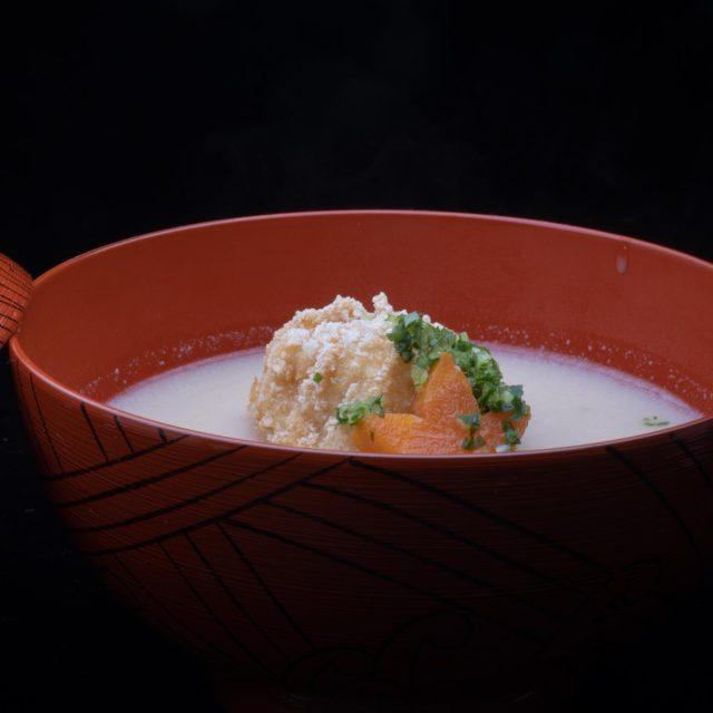 白味噌仕立ての煮物椀